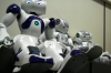 三菱東京UFJ銀行、案内係にロボットを採用