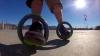 もはやボードではないリング型次世代スケボー「The Sidewinding Circular Skates」
