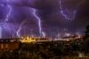 この世の終わりのようなブタペストの雷雨