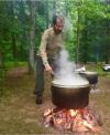 ドバイ首長なにやってるんですか! キャンプで自ら荒々しく食事を作るモハメド殿下がワイルドすぎると話題に