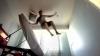 朝になるとスヤスヤ寝ている人をベッドから放り投げてたたき起こしてくれる「The High Voltage Ejector Bed」