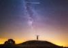 ペルセウス座流星群撮影中に、偶然国際宇宙ステーションが写り込む。ラッキー!
