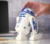 ちゃんとロボットしてるぅ! R2-D2が消しカスを吸いとるデスク用そうじ機に