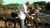 サンパウロのおじさん、1リットルの水で500km走るバイクを自作する