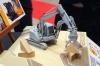 可動ギミックを満載して忠実に再現! 日立建機の双腕スーパー建機「アスタコNEO」がプラモデル化