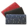パックマンと伝統工芸「甲州印伝」がコラボ 財布やパスケースなどさりげなくゲーム画面デザインでおしゃれ