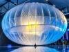 グーグル、「宙に浮きたがる」超軽量素材を開発中