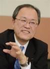 KDDI、「2年縛り」見直し 自動更新廃止へ 田中社長が明言