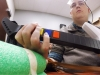 手足がまひした患者の脳にチップ移植、考えた通りに手を動かすことに成功