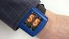 小型ニキシー管をディスプレイにしたスチームパンクな腕時計「Nixie Watch」